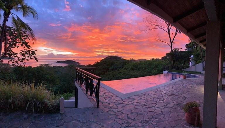 Casa Los Sueños: Stunning Ocean View 4-Bedroom, 3-Bathroom Home!