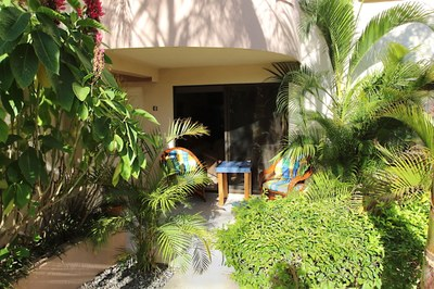 2- Condo in Coco Beach - Entrance - RS1900534.JPG