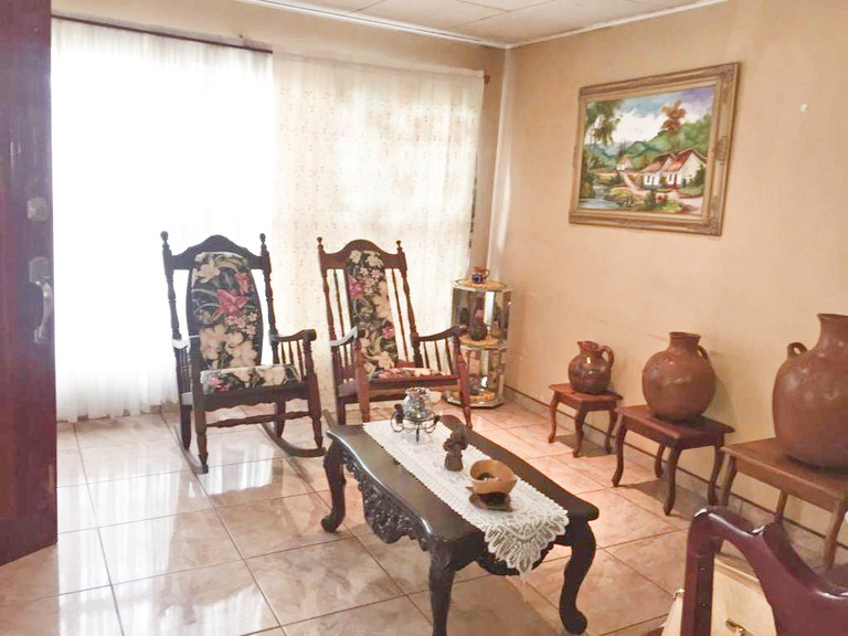 House for Sale Big Land 3 bedrooms Cuidad Colon Bargain