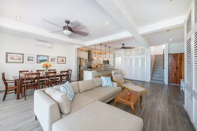 Casa Escapada living room area