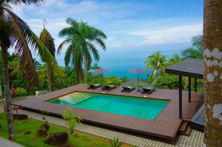 ICONIC ESCALERAS PROPERTY WITH 3 OCEAN VIEW VILLAS, POOL, AND USABLE LAND
