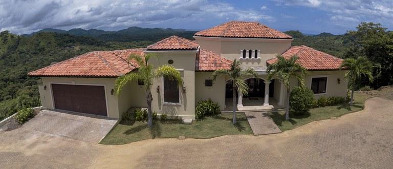 Villa De los Sueños: Se Vende Casa Cerca del Mar en Playa Potrero