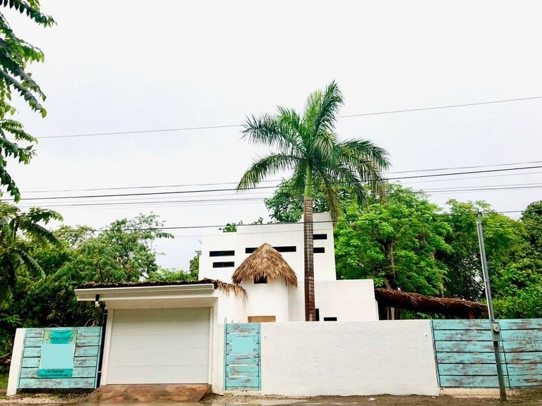Casa Royal: Brand new zen home in surfside Potrero
