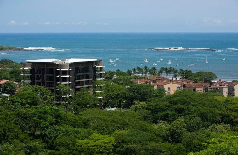 La perla 2-4: Luxury Ocean view condo in Tamarindo
