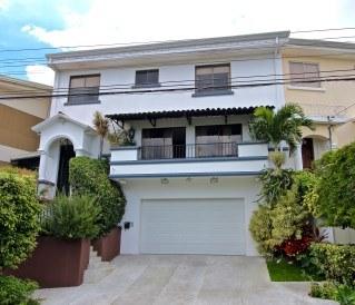 Cozy Vista Colonial 3 bedroom Escazu home for sale in Bello Horizonte