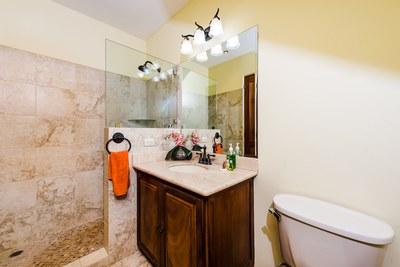 Villas Catalina 14_Second Bathroom