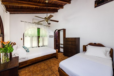 10_Krain_Casa de Gracia_Walk-to-Beach_Playa Potrero.jpg