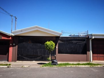 House For Sale in Cartago