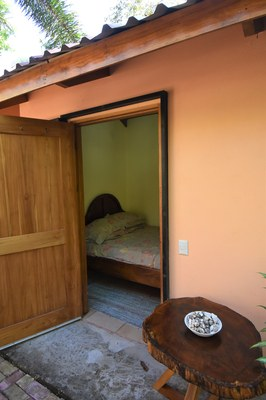 Casa MangoandBanana_CheaphomesinCostaRica_bedoom1.jpg