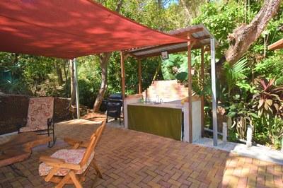 Casa MangoandBanana_CheaphomesinCostaRica_outdoor kitchen.jpg