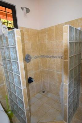 Casa MangoandBanana_CheaphomesinCostaRica_shower - Copy - Copy.jpg