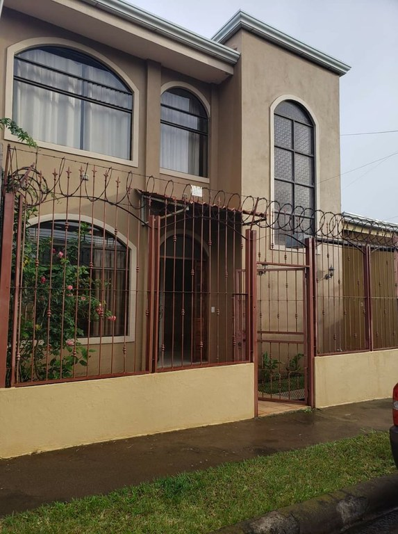 House For Sale in Centro