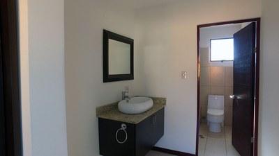 Main Bathroom Pozos Santa Ana .jpg