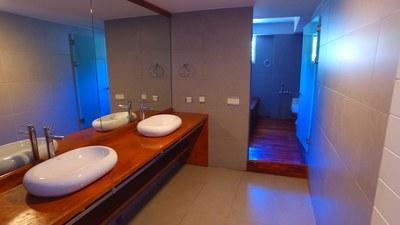 BATH ROOM OF /Green House Condominiums: Luxury Condo For Sale in Escazu, Costa Rica