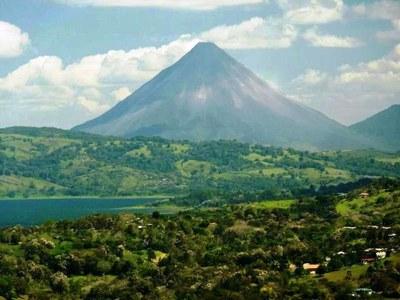 Lake Volcano view from Tejona.JPG