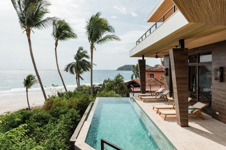 Casa Nautilus: Modern Beachfront Home in Playa Flamingo