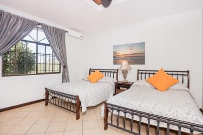 Casa Mimosa Ocean Home in Flamingo
