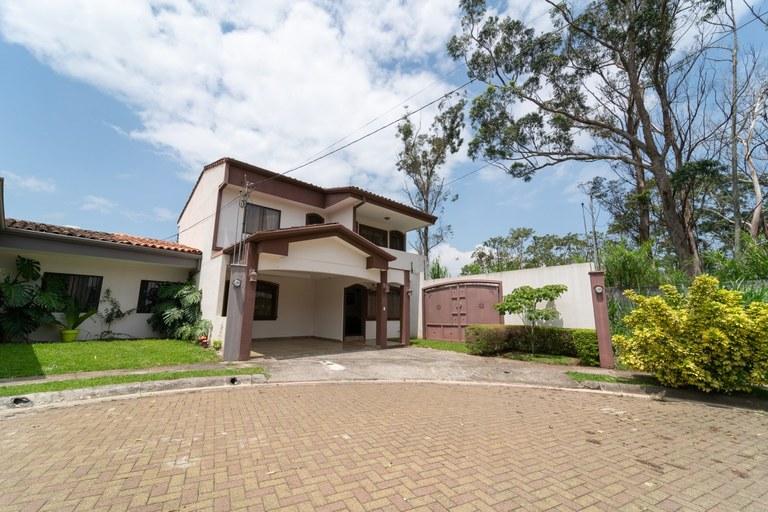 Se vende casa en Villa Flores. San Joaquin de Heredia. $ 269.900 Costa Rica.