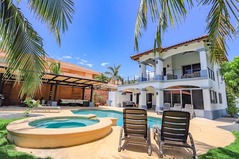 Casa Tres Cocos: Rare White Sand Beachfront Estate For Sale – Playa Ventanas
