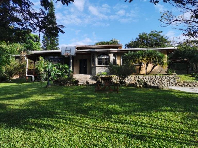 House For Sale in Santo Domingo