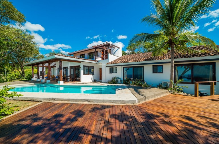 Villa Artemis: Ocean view home in Tamarindo