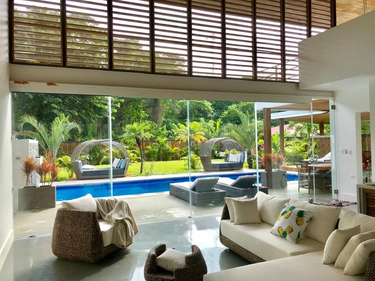 4065 - Villa Oasis: Quiet and serene! Newly built oasis for body and soul...