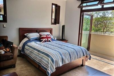 villa_serena_guest_bedroom_3.jpg