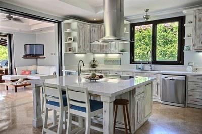 villa_serena_kitchen.jpg