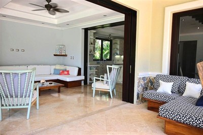 villa_serena_outdoor__livingroom.jpg