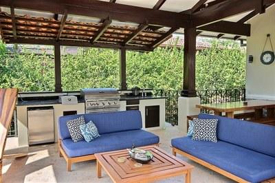 villa_serena_outdoor_kitchen.jpg