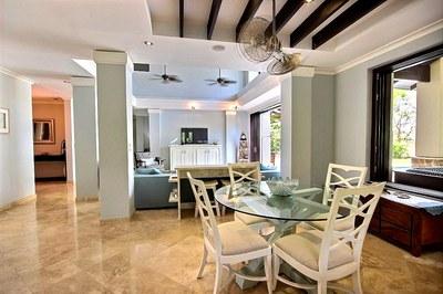 villa_serena_dining_room.jpg
