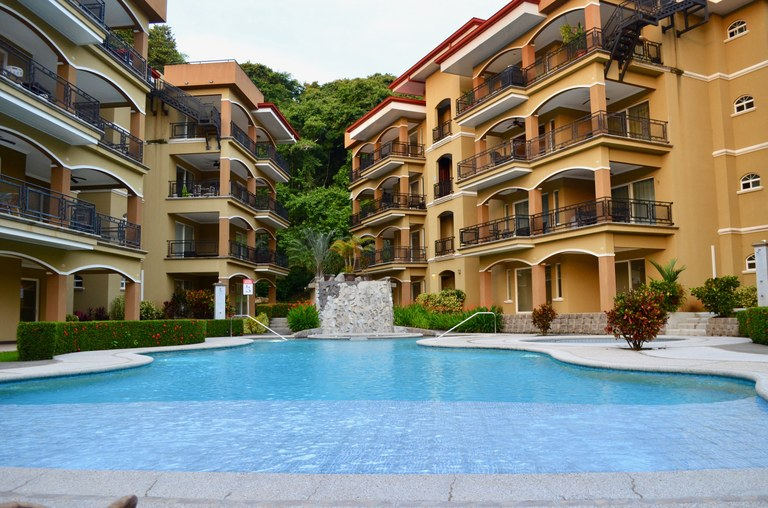 Near the Coast Apartment For Sale in Playa Herradura