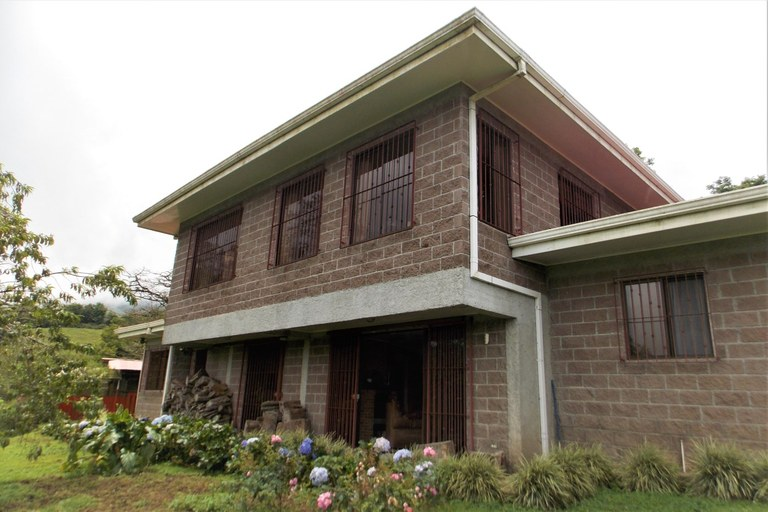 House For Sale in Cascajal