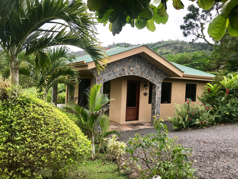 VOLCAN ARENAL: TRANQUILITY-COMFORT-PEACE OF MIND-PERFECT FOR THE PART TIME VISITOR/INVESTOR