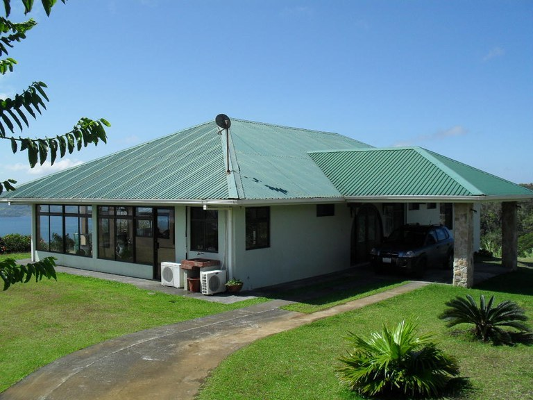 Panoramic Lake & Volcano Arenal View - Home With Acreage and Caretaker/Guest House