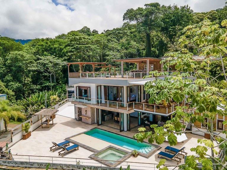 Carabao Luxury Villa: Mountain Villa For Sale in Uvita