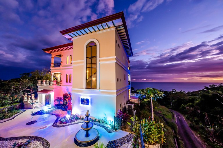 Casa Bisily: Mountain and Oceanfront House For Sale in Playa Hermosa
