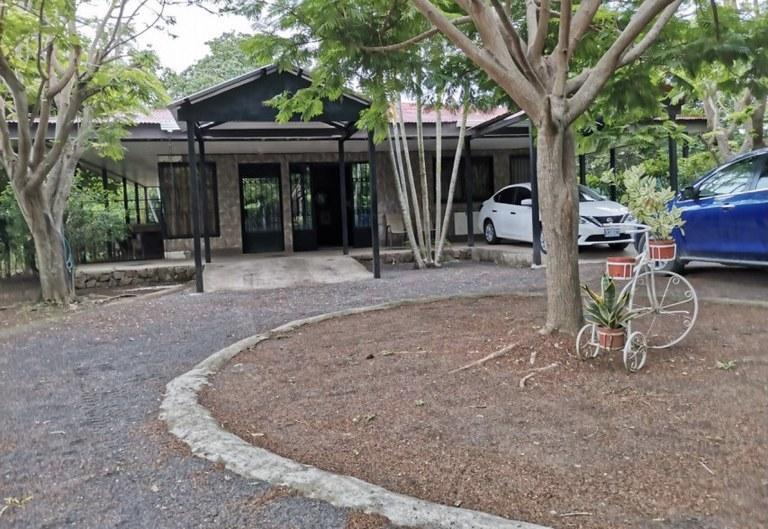 CASA VENEGAS: House For Sale in Cañas Dulces