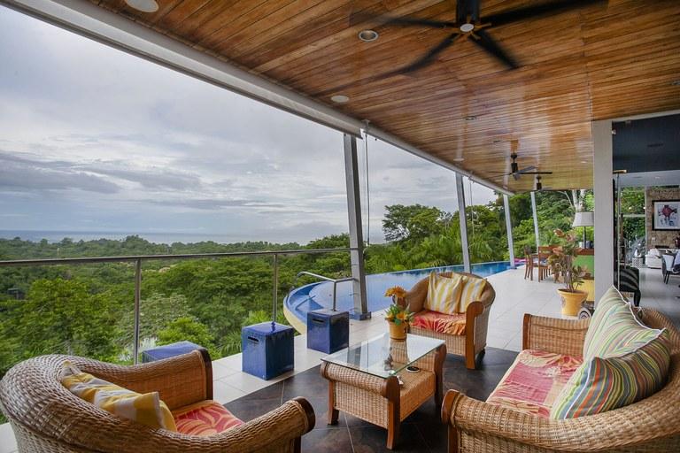 Casa Pura Vista: An architectural masterpiece with dramatic views.