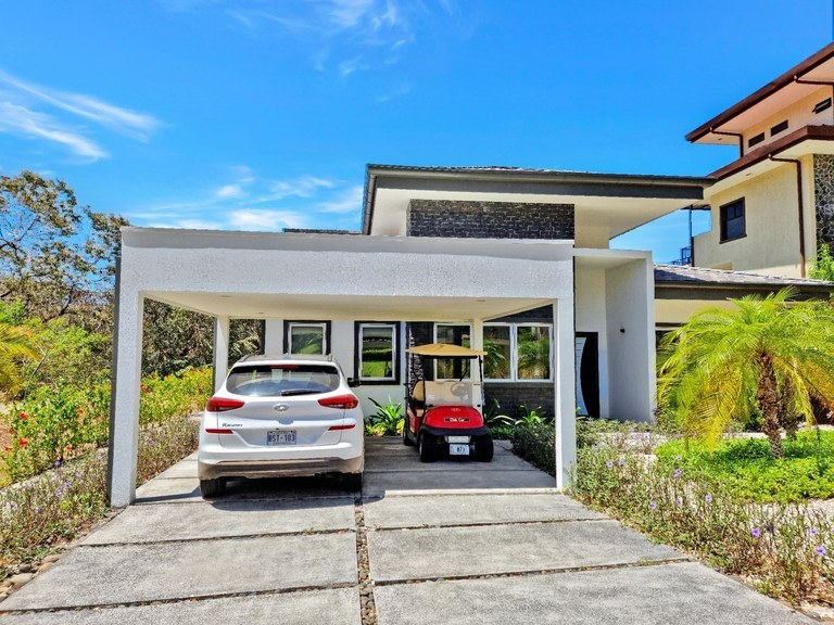 Coco Bay Estates Home #2: Exclusive houses, with a magical view of the ocean and nature