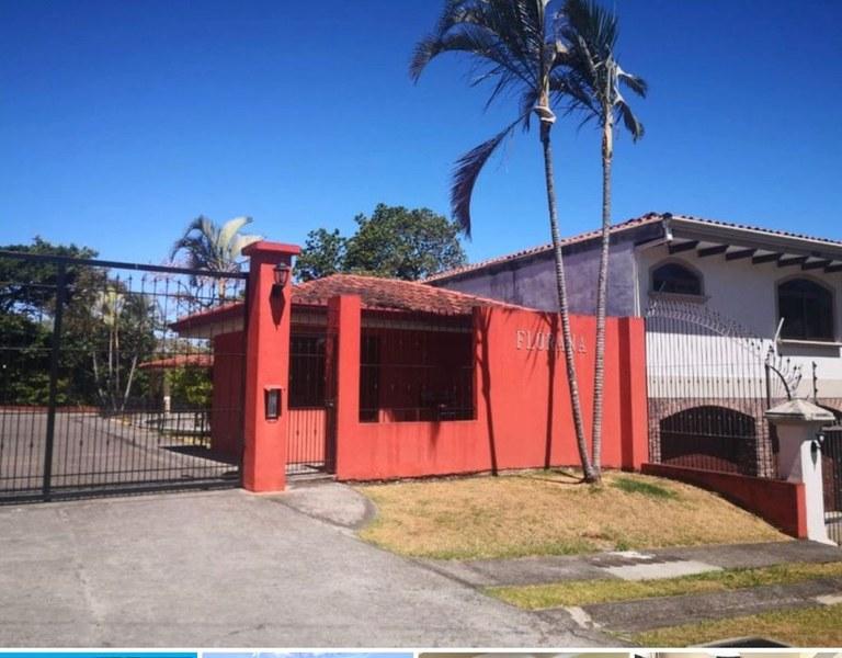 House For Sale in Santa Ana