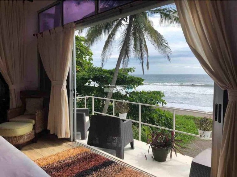 Beachfront house for sale: New beachfront house for sale Tivives