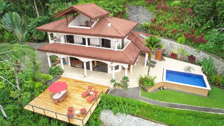 Se Vende Casa en la Montaña en Uvita